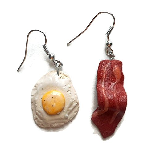 bacon-and-egg-fake-food-earrings-dangle-realistic-looking-food-jewelry