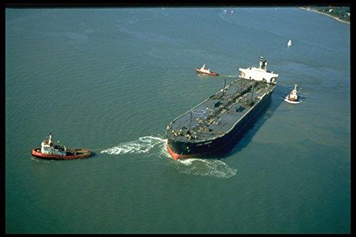 491029-oil-tanker-leaving-the-bp-hamble-terminal-near-soton-a4-photo-poster-print-10x8