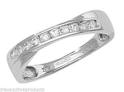 9ct White Gold Diamond Cross Over Half Eternity Ring 0.25ctw size G - W