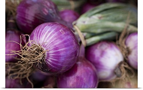 Fresh red onions at a New Jersey farmer's market
