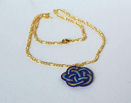 collier-ras-du-cou-petite-fleure-en-cordes-de-papier-bleu-clair-bleu-fonce-et-or-chainette-figaro-pl