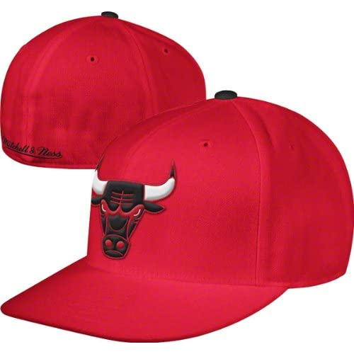f1f4dc905da Chicago Bulls Red Mitchell   Ness Hardwood Classics Basic Logo Fitted Hat