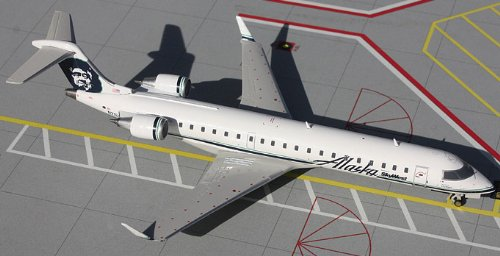 1: 200 ジェミニジェット Alaska 航空 Canadair Jet 700 (並行輸入)