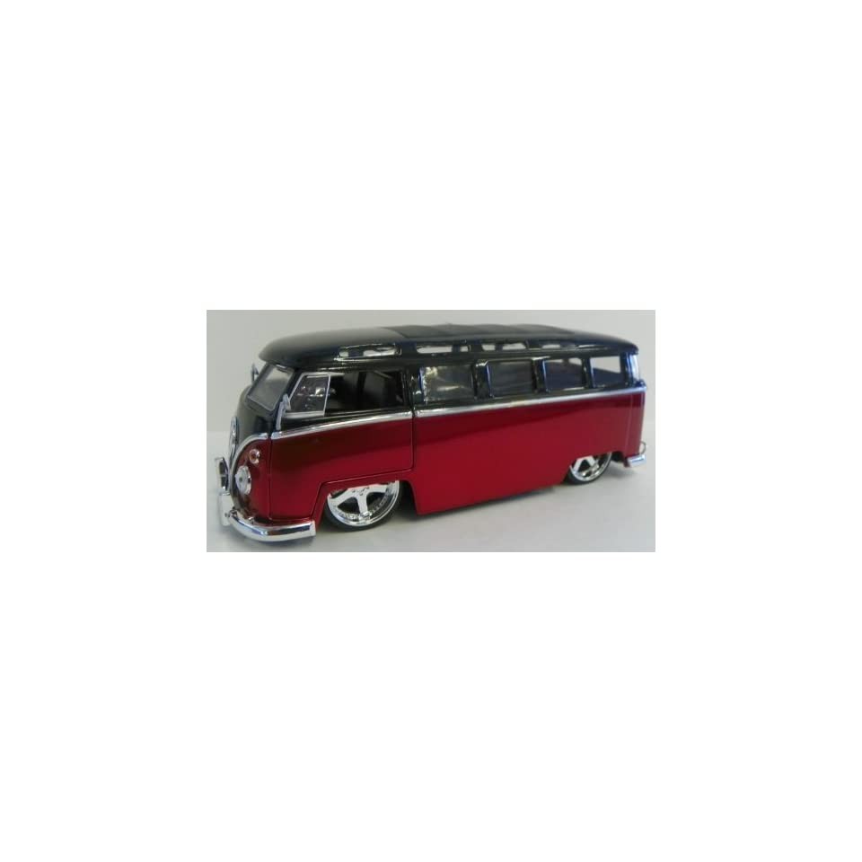 Jada Toys 1/24 Scale Diecast Big Time Kustoms 1962 Volkswagen Bus in Color Black/red