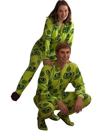 PajamaCity Green Frogs Print Polar Fleece Butt-Flap Footie Pajamas for Teens and Adults Size 3 (5'0
