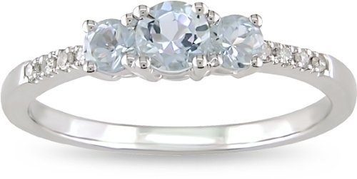 10k White Gold Accent Diamond and Aquamarine Ring (0.04 Cttw, G-H Color, I2-I3 Clarity)