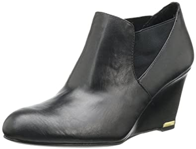 Bandolino Women's Thistle Bootie,Black Leather,6 M US