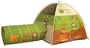 Front Door Closed With Velcro For Easy Access And Security - Pacific Play Tents Safari Tent and Tunnel Com.