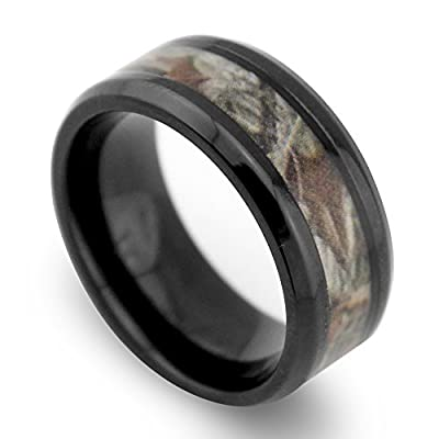 8mm Black Beveled Titanium Comfort Fit Wedding Bands with Desert Camouflage Inlay Hunting Bands for Men Women Promise Engagement Matching Rings for Couples Holiday Birthday Gift for Boyfriend Girlfriend
