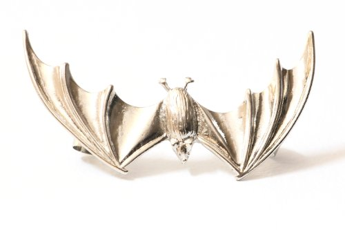 Vampire Bat Earring Ear Cuff Silver Tone Gothic Animal Clip on Halloween Fashion Jewelry