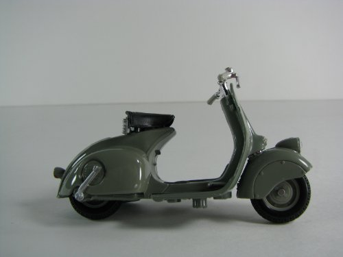 1946 Vespa 98 Scooter 1:18 Scale by Maisto Grey - 1