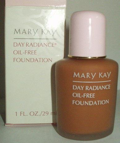 Mary Kay Day Radiance Liquid Foundation in Soft Ivory