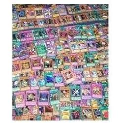 Yu-Gi-Oh! - Mega confezione da 100 carte Mint + 4 carte rare con inclusa 1 possibile carta olografica (Yu-Gi-Oh! è un ottimo regalo di compleanno e ideale per riempire le calze di Natale) Tutte le Carte di inglese