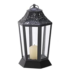 Garden hurricane lamp