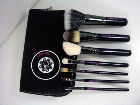 Hello Kitty 7 Piece Salon Quality Makeup Brush