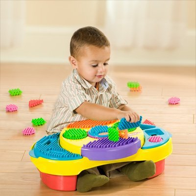 Clipo Creativity Table 100 Piece Gift Set by Playskool