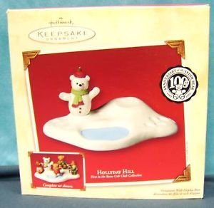 Holly Day Hill 1St In Series 2002 Hallmark Keepsake Ornament Qrp4683 front-1056647