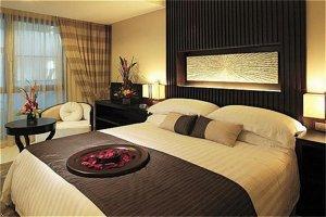 Holiday Inn Hotels & Resorts Medium Pillow