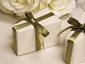 Wedding Gift Boxes Amazon : Amazon.com: 100 pcs White Triangle CAKE Wedding Favor Boxes: Home ...