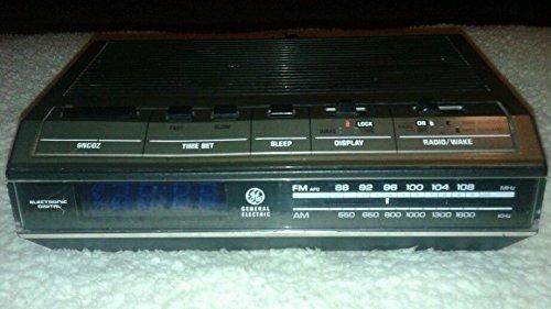Vintage 1980s General Electric G E Radio Alarm Clock Model No.7-4642b