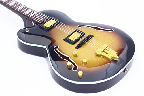 RGM225-Paul-McCartney-THE-BEATLES-Bass-Miniaturgitarre
