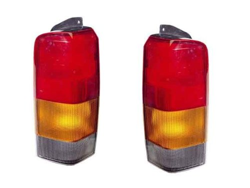 QP E6101-a Jeep Cherokee Passenger Tail Light Lens & Housing