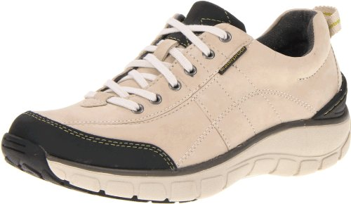 4b619e8e53f Clarks Women's Clarks Wave.Trek Lace-Up Fashion Sneaker Shoes