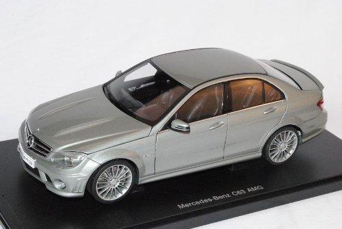 Mercedes-Benz C-Klasse C63 AMG Limousine Grau W204 Ab 2007 76275 1/18 AutoArt Modell Auto