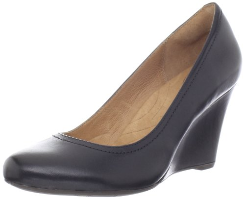 indigo by Clarks Women's Indigo By Clarks Purity Snow Wedge Pump,Black Leather,7.5 M US Picture