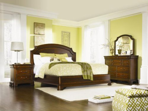 Legacy Classic Evolution Bedroom Set with Queen Bed, Nightstand and 2 x Dresser (Legacy Classic compare prices)