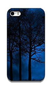 The Racoon Grip printed designer hard back mobile phone case cover for Apple Iphone 4/4s. (forest)