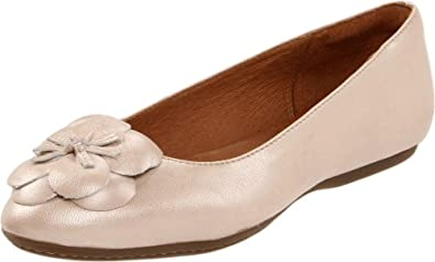 Clarks Women's Aldea Palm Ballet Flat,Champagne Leather,6 M US