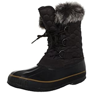Honeycomb-tiled quilting creates a warm texture in this cozy Kamik snow boot.