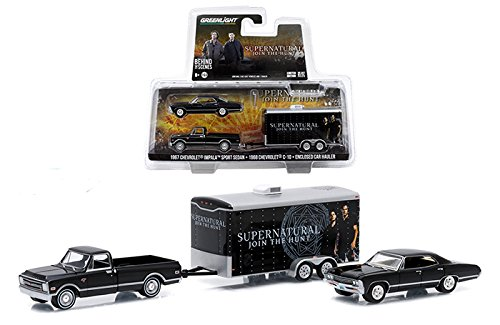 GREENLIGHT 1:64 SUPERNATURAL 1967 CHEVROLET IMPALA SPORT SEDAN 1968 CHEVROLET C10 ENCLOSED CAR HAULER: JOIN THE HUNT TRAILER SET (1 64 Enclosed Trailer compare prices)