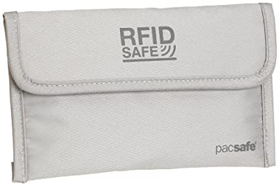 Pacsafe RFID Reisepasshülle
