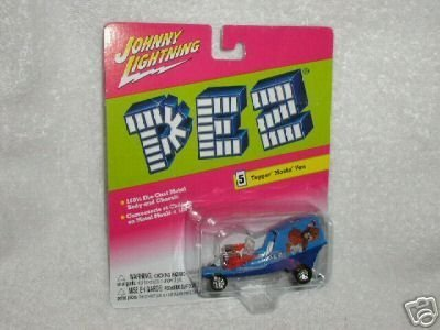 Johnny Lightning PEZ Topper' Movin' Van (Truck Utility Topper compare prices)