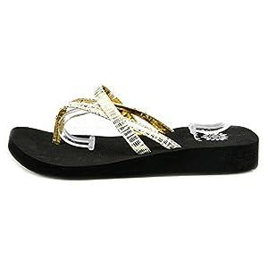 Yellow Box Women's Rhetta Thong Flip Flop Sandals, White, Size 6.0