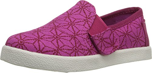 TOMS Kids Unisex Avalon Slip-On (Infant/Toddler/Little Kid) Pink Canvas Batik Hearts Sneaker 6 Toddler M (Toms Shoes Size 6 compare prices)