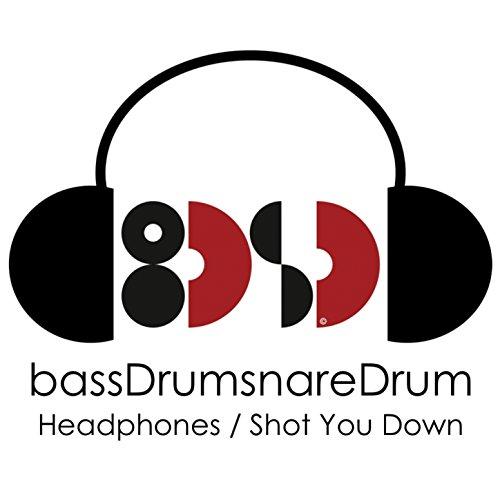Headphones (Feat. Betty Steeles, Toby Clark)