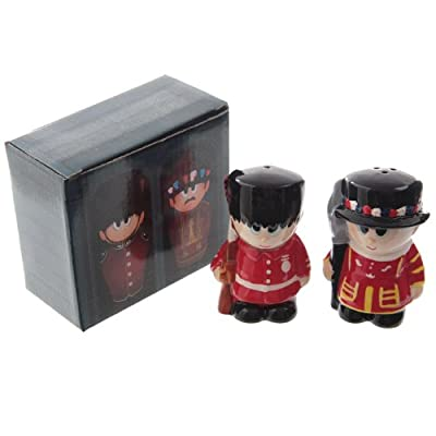 Ceramic Guardsman and Beefeater Salt and Pepper Set from Puckator