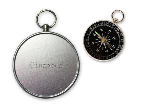kleiner-kompass-gravierten-namen-auf-der-ruckseite-cinnabon-vorname-zuname-spitzname