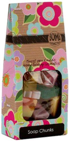 bomb-cosmetics-coffret-cadeau-bien-etre-assortiment-de-savon-multicolore