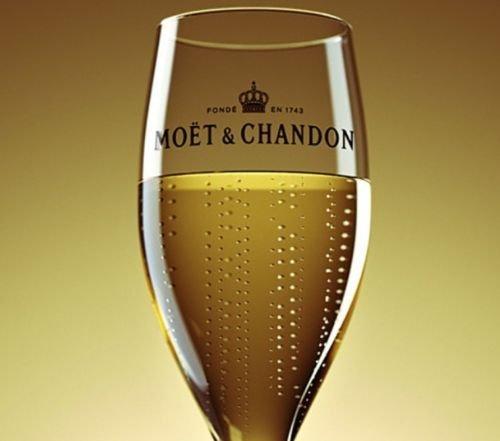 champagne-moet-chandon-flute-nv