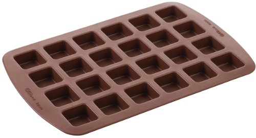 Wilton 2105-4923 24-Cavity Silicone Brownie Squares Baking Mold (Individual Brownie Pan compare prices)