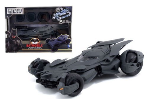 JADA METALS - BATMAN V SUPERMAN - BATMOBILE MODEL KIT Diecast Car (Diecast Models compare prices)