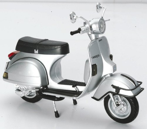 New Ray 1/12 Scale Diecast Motorcycle Vespa P200e Del 1978 in Color Silver (Vespa Model compare prices)