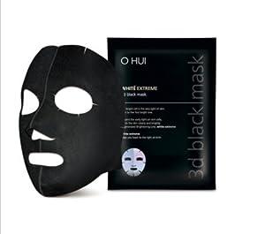 Le masque pour la personne avec leffet nettoyant