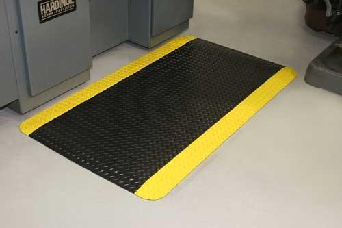 Durable Corporation Vinyl Heavy Duty Diamond Dek Sponge Anti Fatigue Mat 24