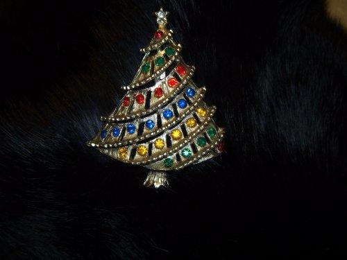 Vintage Christmas Tree with Rhinestones Pin