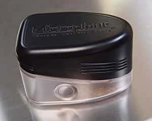 Microplane Grate and Shake Nutmeg Grinder/Grater, Black